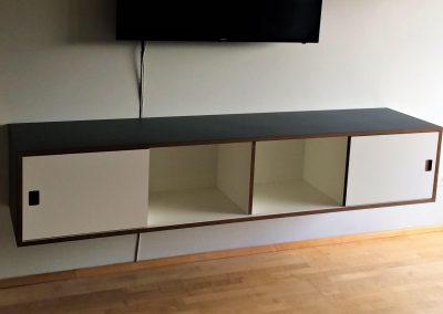 Sideboard mit Möbellinoleum belegt, 4 Gefache